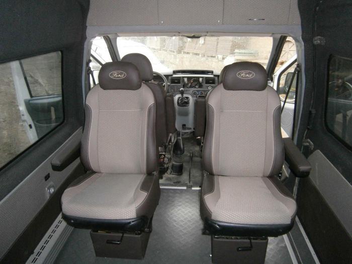Ford Transit-15