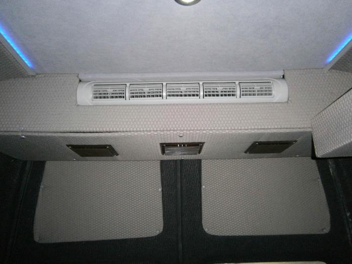 Ford Transit-16
