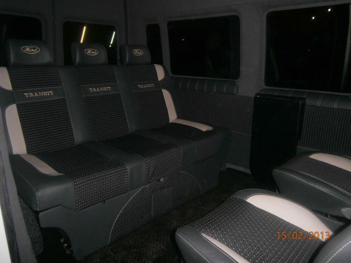 Ford Transit-7