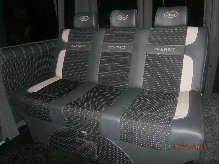 Ford Transit-9