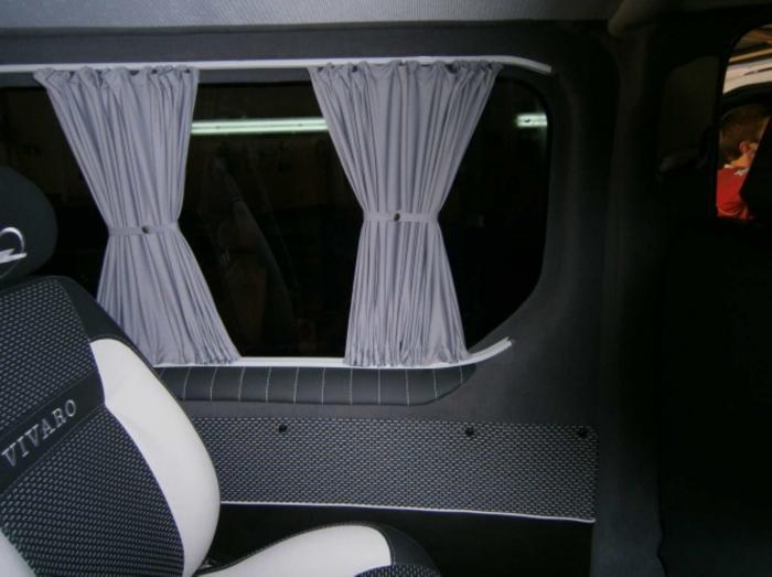 Opel Vivaro-10