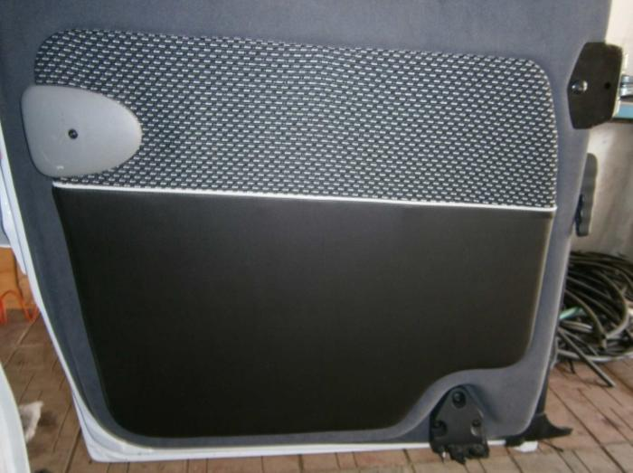 Opel Vivaro-11