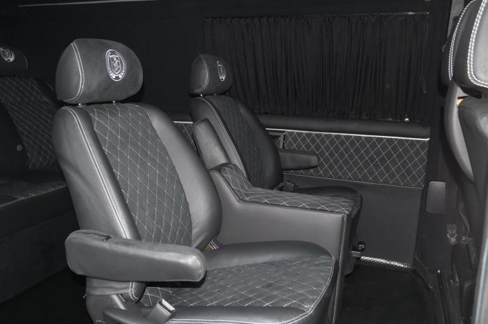 Volkswagen Transporter-14